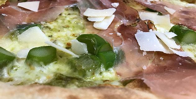 Pizza aux asperges : Armonia - La Case à Pizza